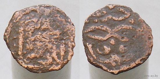 Золотая Орда.Анонимный недатированный пул времен хана Токтамыша 782-801 г.х.(1380-1399г.р.х.) чекана Сарая Аль-Джадида.С очковидной тамгой.Медь.
