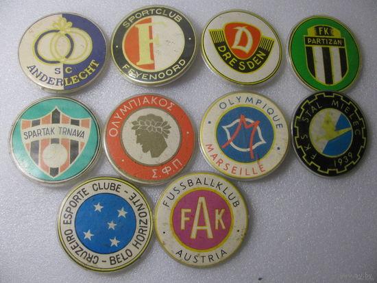 Значки. Футбольные клубы. цена за 1 шт.