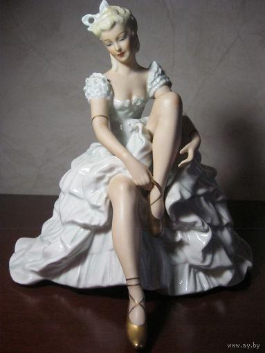 """Балерина завязывающая пуанты"" Shau Bach Kunst - Walendorf. - Германия."