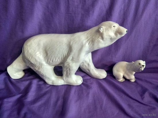 Огромный белый медведь. С рубля. Распродажа коллекции