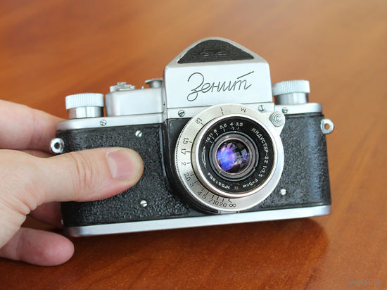 Фотоаппарат Зенит, 1953 г. первая модель