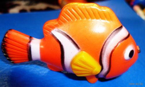 Игрушка--рыбка