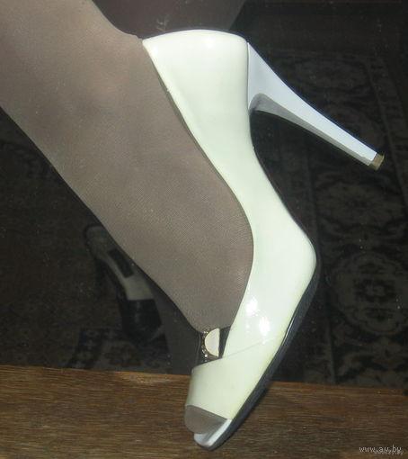 Туфли цвета слоновой кости р-р 37.