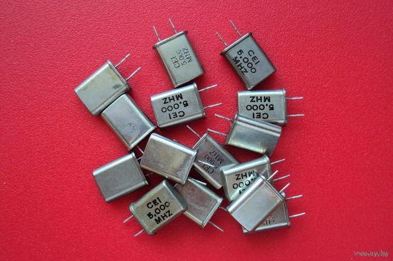 Кварцевый резонатор   (3.2768, 3.579545, 4.000, 5.000, 6.144, 7.3728, 9.2160, 10.2400, 12.000) MHz и другие...