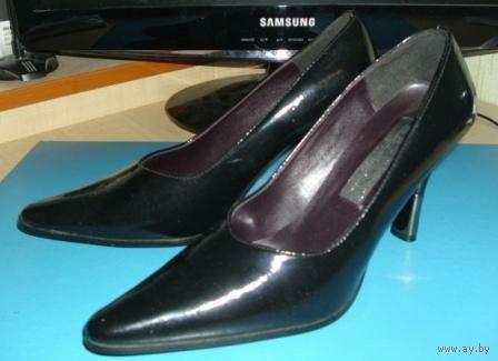 Модельные туфли новые, кожа натуральная, р-р 38, Италия, снизила цену