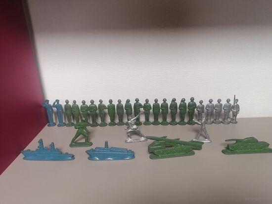 Коллекция оловянных солдатиков СССР, 29 штук