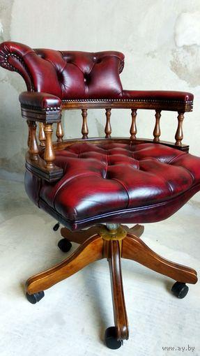Английское кресло Chesterfield на колесиках