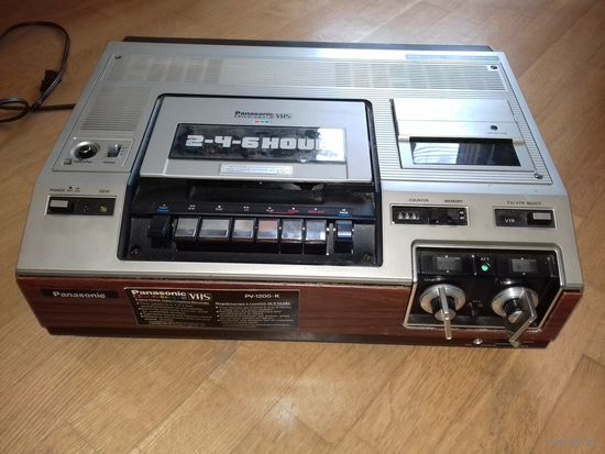 """Редкий винтажный видеомагнитофон """"Panasonic PV-1200"""" ранних 1980-х"""
