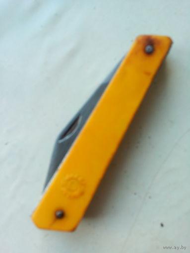 Ножик с желтой ручкой СССР