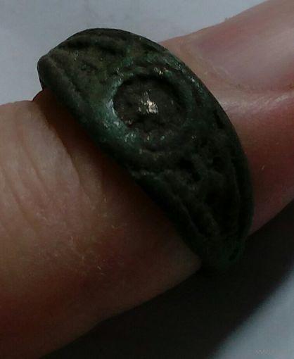 Распродажа коллекции! Средневековое кольцо со звездой. С 1 рубля! Без МПЦ!