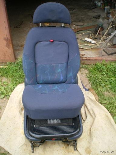 Детское кресло (стандартное) в WV Sharan, Ford. Торг.