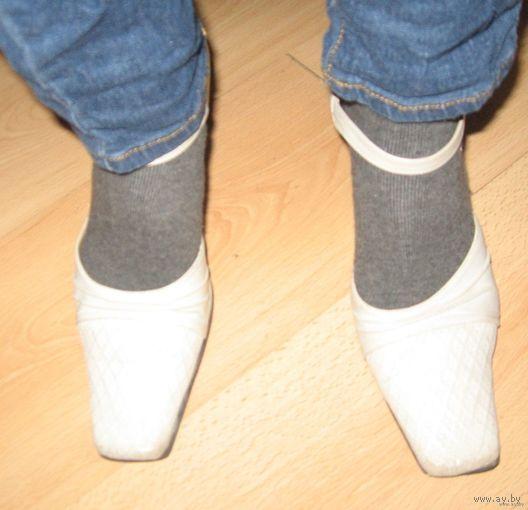 Бежевые туфли 38