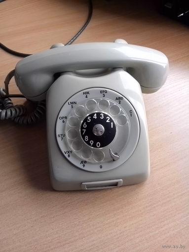 Раритетный немецкий телефонный аппарат