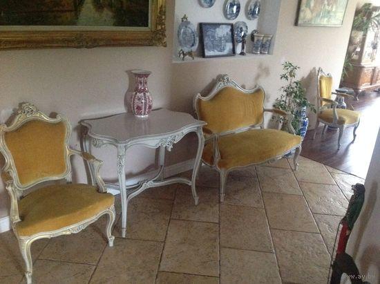 Комплект мебели .Франция