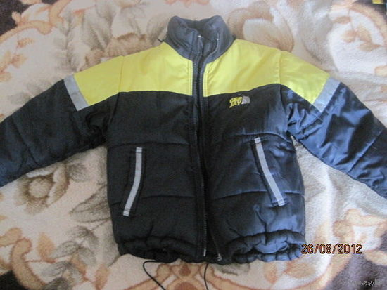 Стильная зимняя курточка на 3-3.5 года