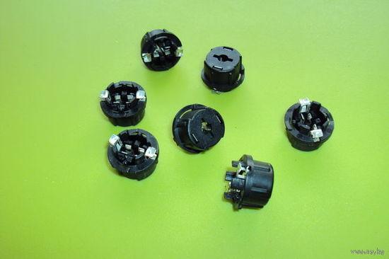 Кронштейны (патрончики несколько видов) для безцокольных автомобильных ламп ф5 и ф10мм