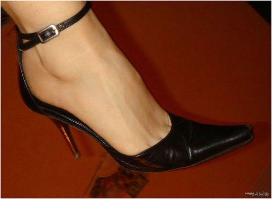 РАСПРОДАЖА! Фирменные кожаные босоножки от HELEN MARLEN.Италия (Куплены за 180$) Зеркальные каблуки.