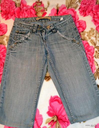 Джинсовые женские шорты  42-44 размера