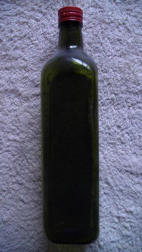Бутылка зелёного цвета, ромбовидной формы. распродажа