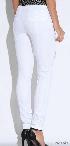 Белые брюки Oodji