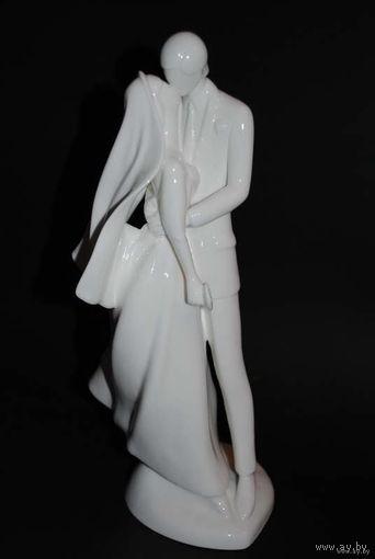 """Свадебная статуэтка_""""В твои руки я себя вверяю""""_ROYAL DOULTON_можно использовать как_Верхушку для Торта + отличный_памятный подарок для самих Молодых_Ручная работа_/33см высота/_Англия_1987 год_!"""