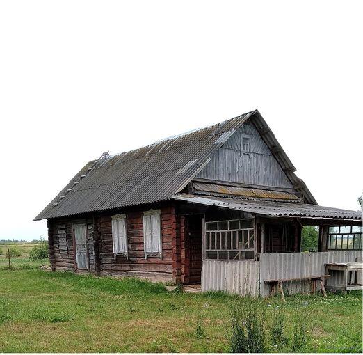 Продаётся сруб дома на дрова.