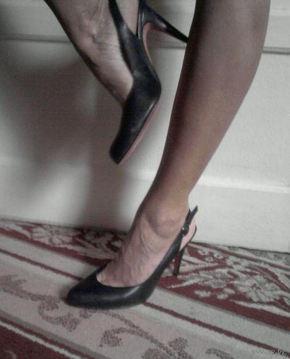 Классические чёрные туфельки с открытой пяткой, 39, кожа, обмен на обувь 38-39 на невысоком каблуке