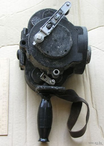 Кинокамера 35-мм АКС-1