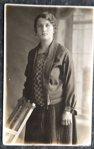 Фото женщины. 1930-е 8.5х13 см