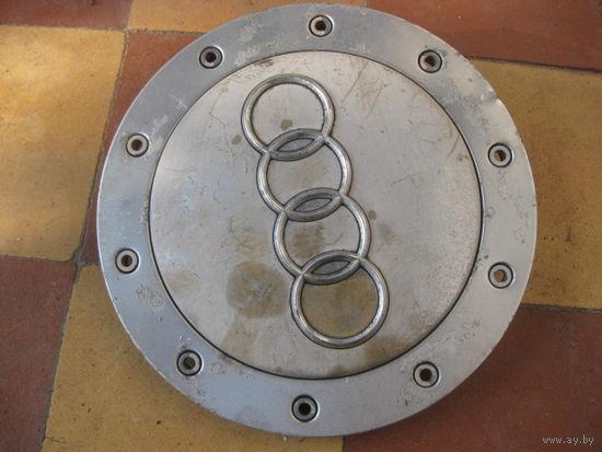 104114Щ Audi заглушка диска 4B0601165C