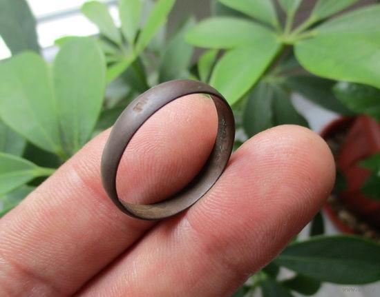Старинное медное кольцо с кл. мастера