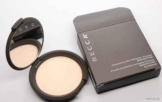 Хайлайтер BECCA Shimmering Skin Perfector Pressed в оттенке Moonstone