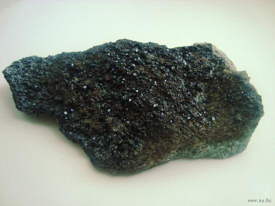 Андрадит, щетка кристаллов
