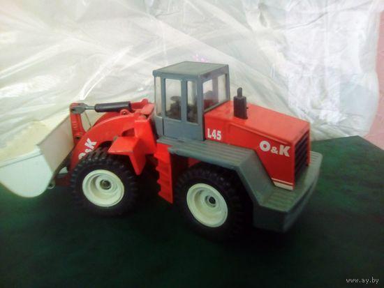 Фронтальный погрузчик O&K L 45 модель Siku