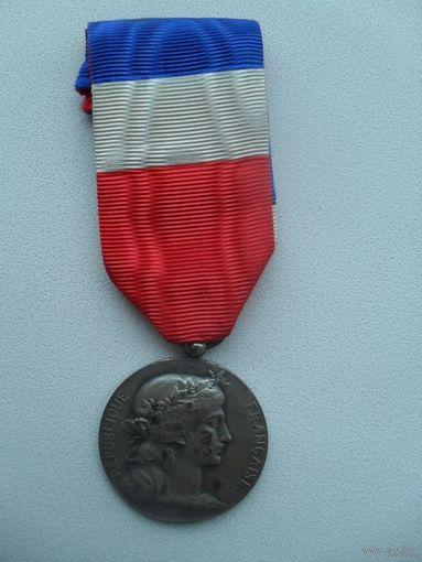 Медаль почета Министерства обороны для гражданских лиц за 30 лет службы Франция 1964 г.