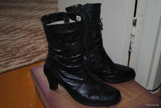 Тёплые женские_САПОГИ_(Чёрн.жата я-мат.кожа)_Зимние_Б.У._1 00%_нат.кожа/кожаные_(нат .мех.)_гос.Польша_реально сойдут на_37/37,5-38_размер_на узкую или на средней полноты ножку!