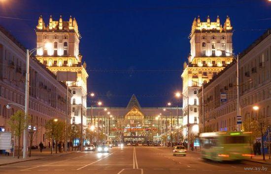 Продам двухкомнатную квартиру  в  Минске.  Центр, ЖД вокзал,сталинка.