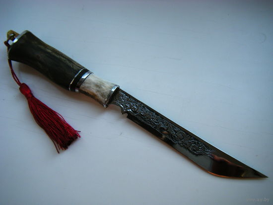 Нож. Авторская работа. Травление по металлу, рог, морённый дуб.
