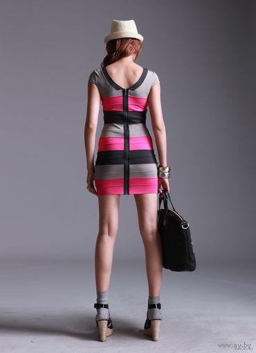 Платье мини_THEORY_облегающего силуэта; сзади молния; контрастные разводы_р.40/42-44_США_Платье изготовлено из эластичной ткани, для того чтобы женщина чувствовала себя более комфортно и сексуально!